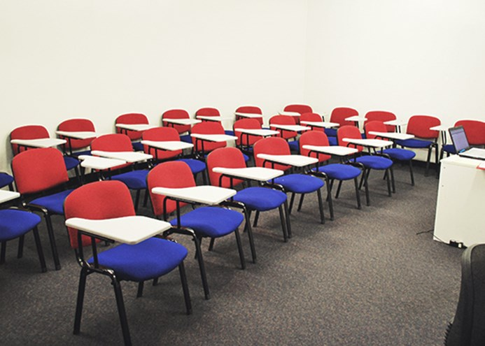 SDYNEY MANLY CAMPUS_Classroom.jpg
